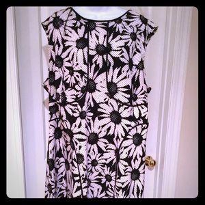Daisy pattern sleeveless sundress